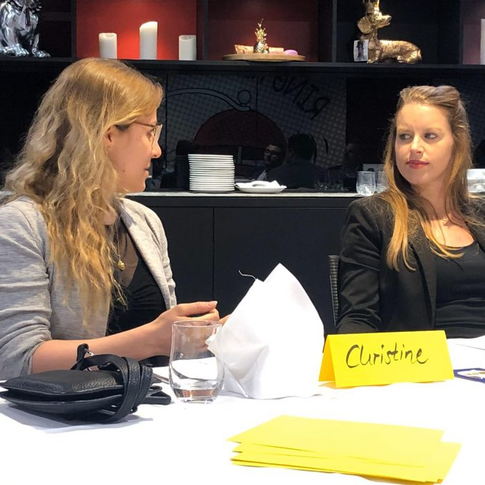 Diskussion zum Thema Fachkräftemangel bei WJS Talk, Talk, Talk mit Katrin Firsching